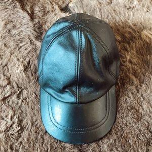 Vintage Accessories - Black Leather baseball hat🧢